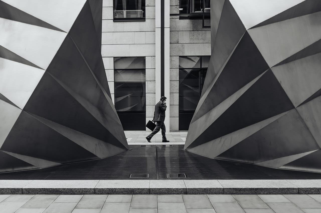 Grote bedrijven betalen later…of te laat